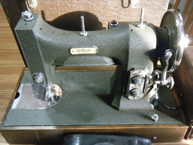 White Rotary Sewing Machine 40 MG Patent Oct 40 W Case Cool 1927 White Rotary Sewing Machine